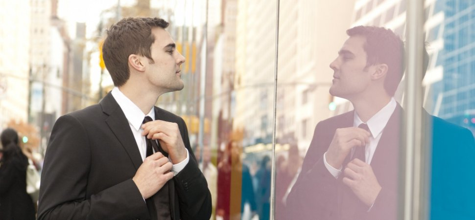 How to Survive a Narcissistic Boss | Inc com