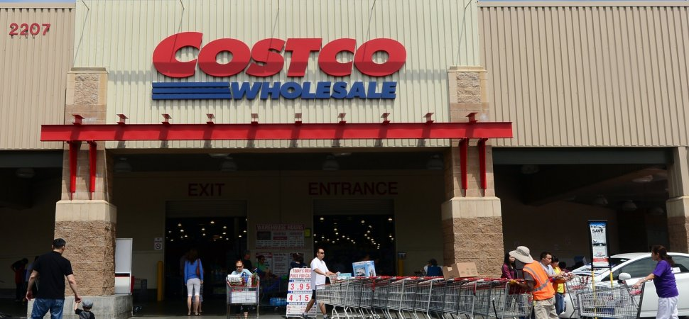 In a World Dominated by Amazon, Costco Is Thriving. They Do It By Focusing on 2 Simple Things
