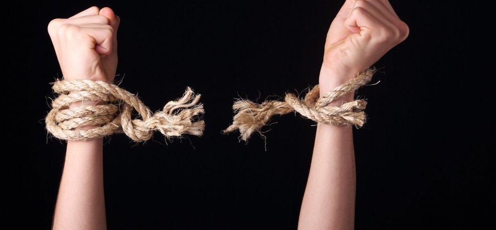 Set Yourself Free! 7 Ways to Break Your Harmful Habits