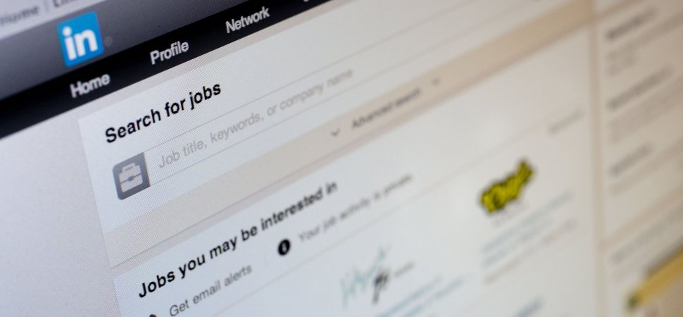 how to delete resume from linkedin profile