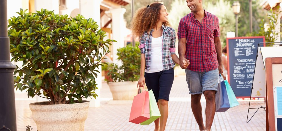 How Introverts and Extroverts Should Spend Money for Optimal Happiness