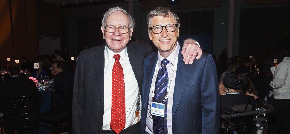Bill Gates Just Praised Warren Buffett for This 1 Key Leadership Skill Here