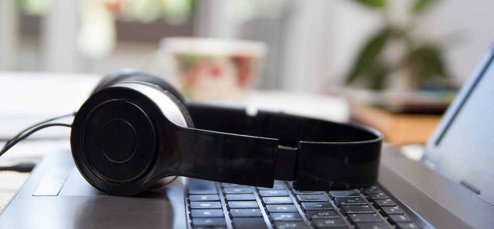 10 Podcasts Every Business Owner Should Listen To