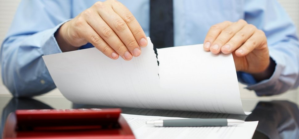 can a boss forbid employees from posting their resume online inc com