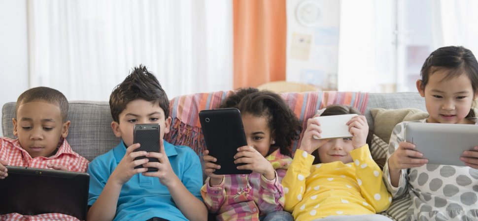 5 Ways the Digital World Makes It Harder Than Ever to Raise Mentally Strong Kids