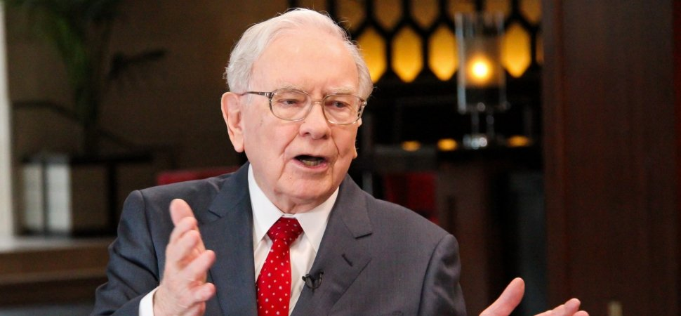 Warren Buffett Says Anyone Can Achieve Success by Following 1 Simple Formula He Uses Every