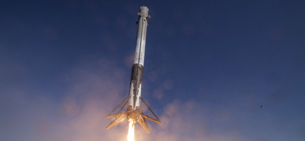 spacex delays target launch date for its most powerful rocket ever. Black Bedroom Furniture Sets. Home Design Ideas