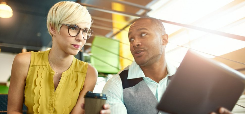The 1 Bad Conversational Habit That Will Make You Look Really Unprofessional