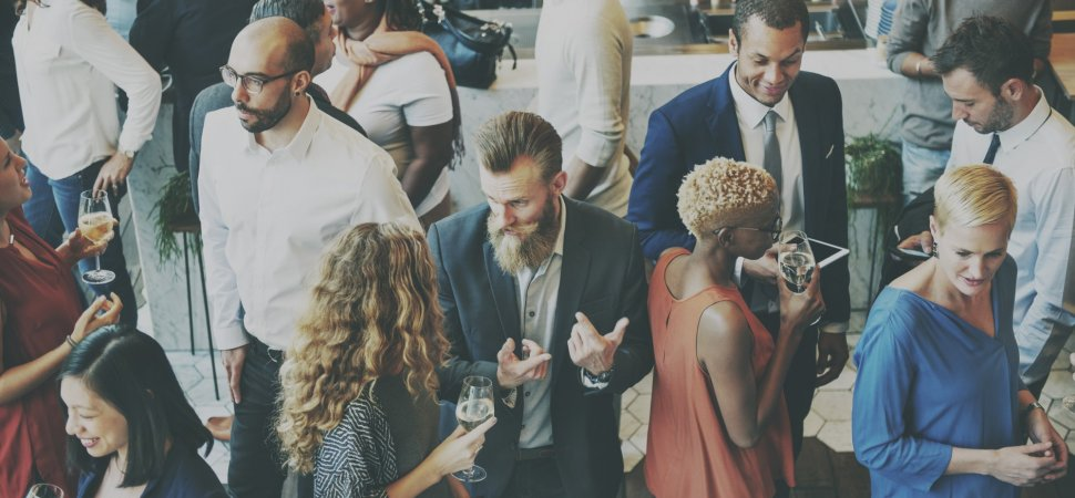 10 Memorable (and Professional) Networking Conversation Starters
