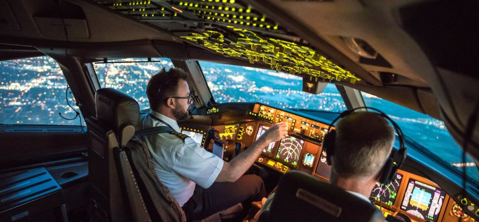 This Famous Airline Is Hiring Jet Pilots With Literally No