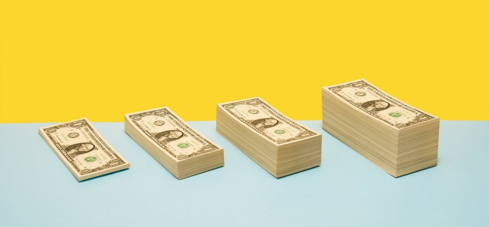 Top Earning Salespeople Use This 1 Easy Strategy to Outperform Everyone Else