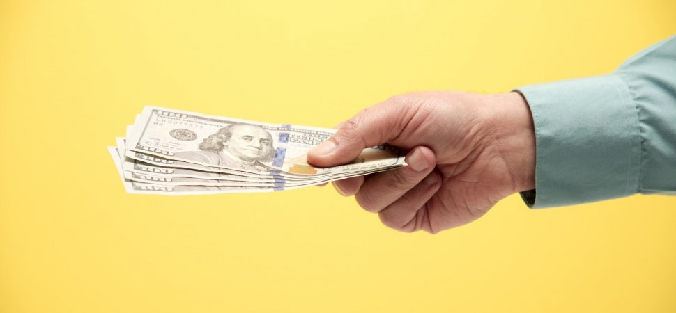 8 Tips for Approaching Friends and Family to Fund Your New