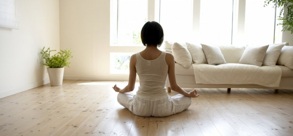 12 Steps to Clear the (Mental and Physical) Clutter From Your Life