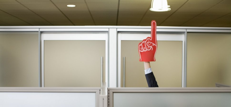 How to Recognize Your Employees in a Meaningful Way: 4 Rules to Live By