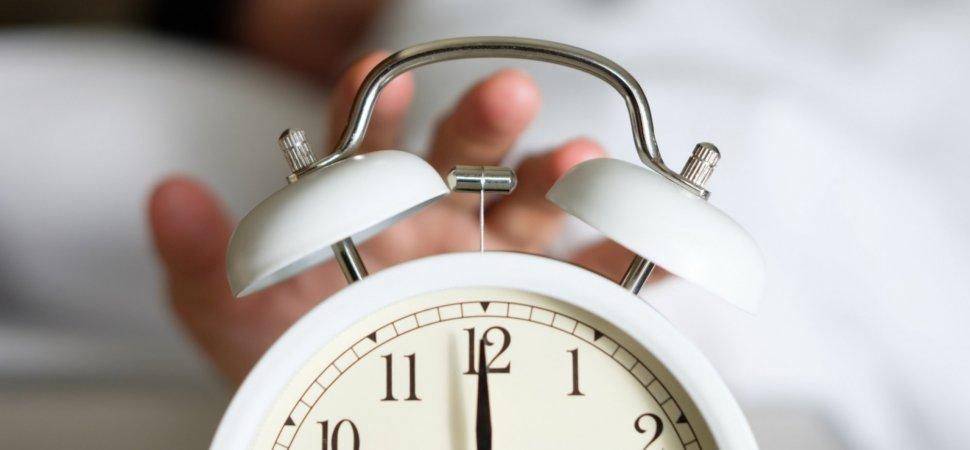 6 Warning Signs You Need More Sleep, Based on Your Work Behavior