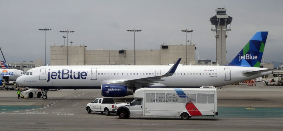 17ef03403136 JetBlue Is Said To Be Raising Baggage Fees. Are American and United ...