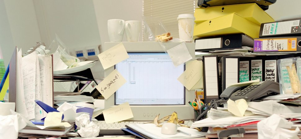 How to Cut Out Office Clutter