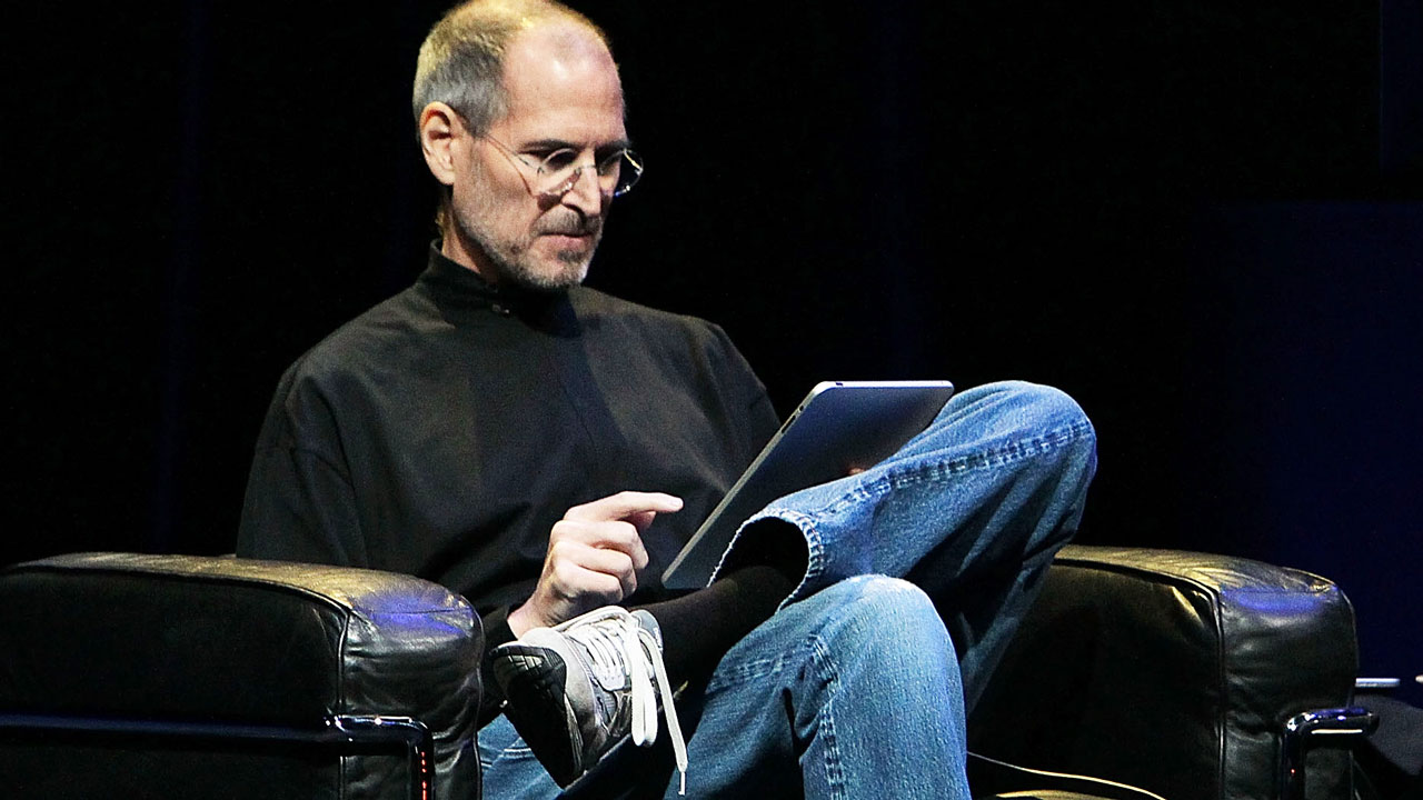 Jobs: 5 Books Steve Jobs Thought Every Leader Should Read [VIDEO