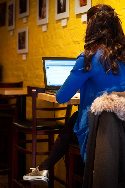 Paradise Café in Chelsea, NY, offers free wi-fi to its customers.