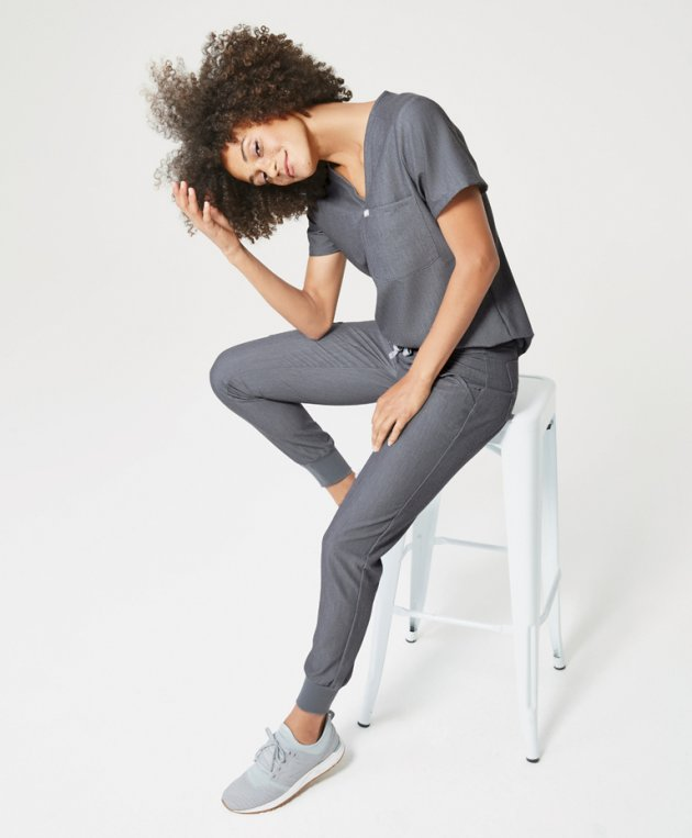 2ab0f11c056 In addition to upgrading the functionality of the fabrics, Figs also gave  scrubs a style makeover. Instead of standard-issue boxy cotton scrubs, ...